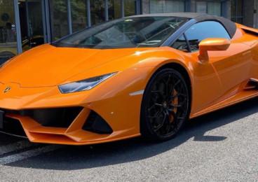 Rent Lamborghini Huracán Evo Spyder in Milan
