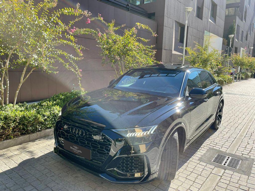 Audi RSQ8